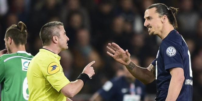 Le Parisien Zlatan Ibrahimovic lors de la demi-finale de Coupe de France contre Saint-Etienne, mercredi 8 avril.