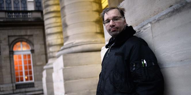 Maxime Gaget a été battu par sa femme pendant 17 mois. Il fait désormais appel à la justice. Le procès s'ouvre ce jeudi 9 avril devant le tribunal correctionnel de Paris.