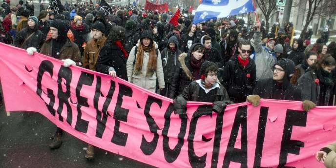 Une manifestation étudiante contre la politique d'austérité menée par le gouvernement du Québec, le 21 mars 2015, à Montréal.