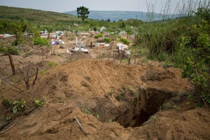 L'objectif, ont expliqué les autorités, était de désengorger la morgue générale de la capitale, d'une capacité de quelque 300 places.