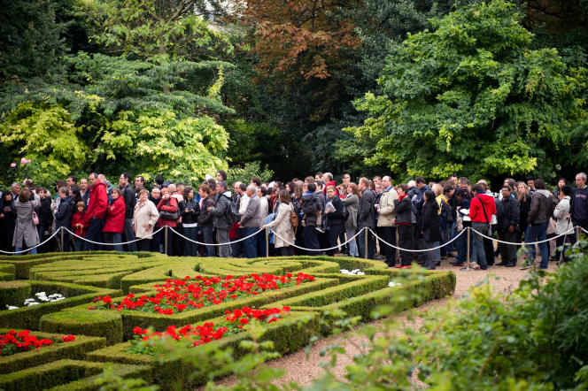 File d'attente dans les jardins de l'Elysée, en septembre 2013, lors des Journées du patrimoine.