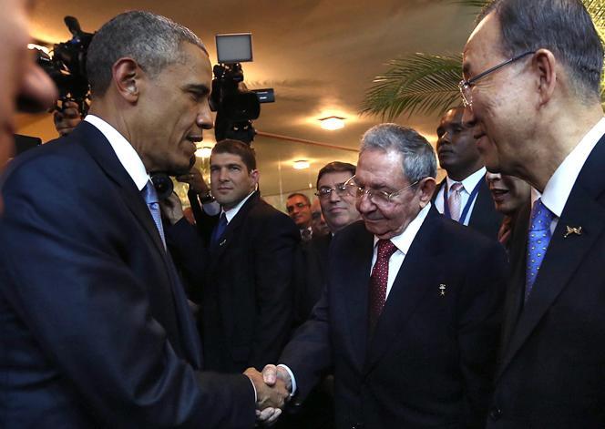 Barack Obama et Raul Castro, le 10 avril à Panama.