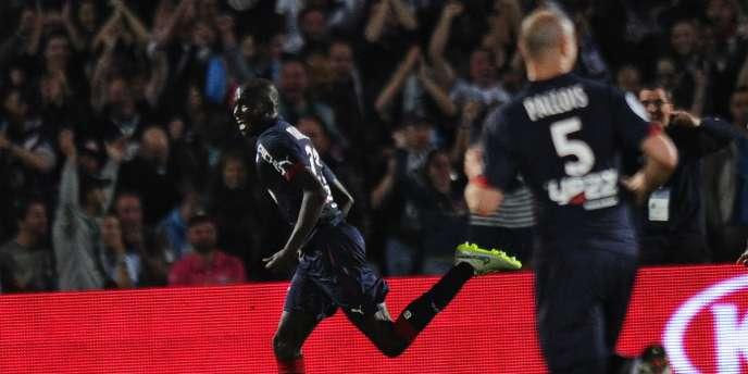 Cédric Yambéré célèbre son but face à Marseille, à Bordeaux, le 12 avril 2015.