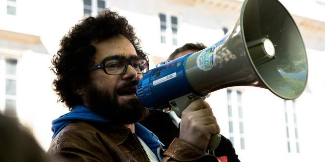 Parmi les manifestants, Jérémie Zimmermann, de la Quadrature du Net, «Cette loi est faite pour qu'il n'y ait plus d'