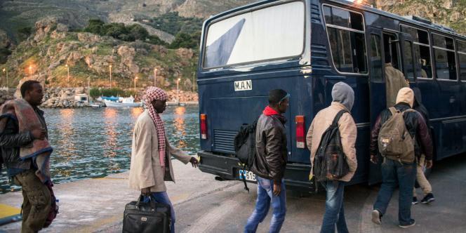 Au cours du premier trimestre, quelque 480 migrants sont morts en Méditerranée, contre moins de 50 au premier trimestre 2014, d'après l'Organisation internationale des migrations (OIM).