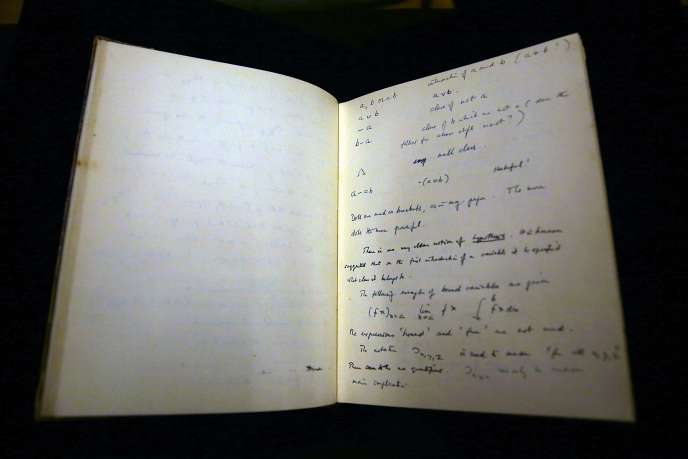 Le carnet de notes d'Alan Turing adjugé à un million de dollars.