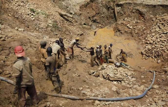 Une mine d'orà ciel ouvert en République démocratique du Congo, en avril 2012.