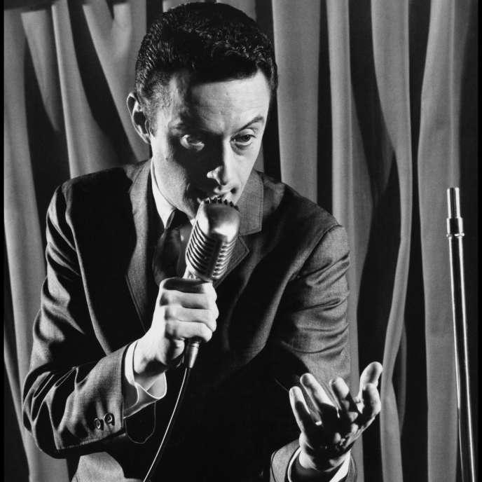 Le comédien Lenny Bruce en 1959.