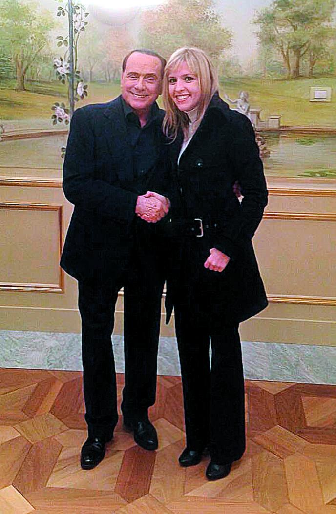 Silvia Sardone lors de sa rencontre avec Silvio Berlusconi, en novembre 2014.