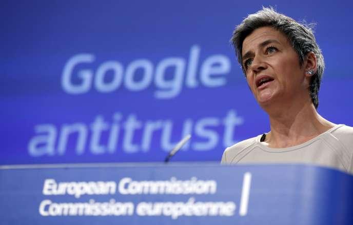 Margrethe Vestager, la commissaire à la concurrence, lors d'une conférence de presse concernant le moteur de recherche de Google, en avril 2015 à Bruxelles.
