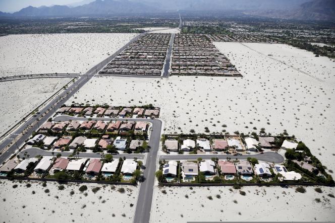 En Californie du Sud, confrontée à une sécheresse persistante, des mesures de restriction de la consommation d'eau ont été mises en place.