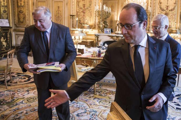 Les présidents du Sénat Gérard Larcher et de l'Assemblée nationale Claude Bartolone livrent des pistes de réflexion sur l'appartenance républicaine mercredi 15 avril.