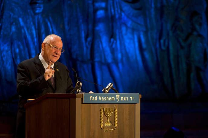 Le président israélien Réouven Rivlin, le 15 avril 2015, lors d'une commémoration à Jérusalem.