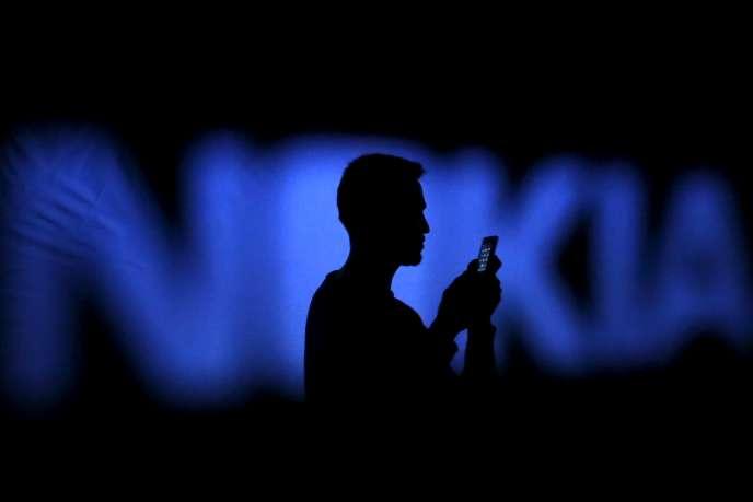 Le groupe finlandais Nokia annonce sa fusion avec l'équipementier franco-américain Alcatel-Lucent.