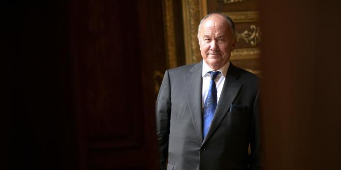 Gérard Lhéritier, président de la société Aristophil, et trois autres personnes de son entourage, ont été mises en examen pour abus de confiance, blanchiment etescroquerie en bande organisée.