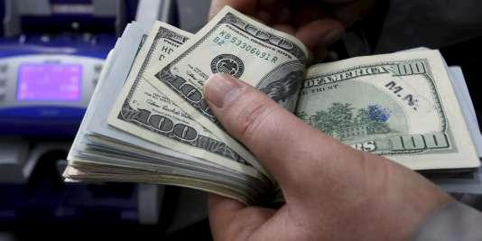 «Avec la levée des sanctions et l'entrée en vigueur de l'accord nucléaire, 32 milliards de dollars d'avoirs bloqués seront libérés», a déclaré Valiollah Seif, le président de la banque centrale, cité mardi par la télévision d'Etat.