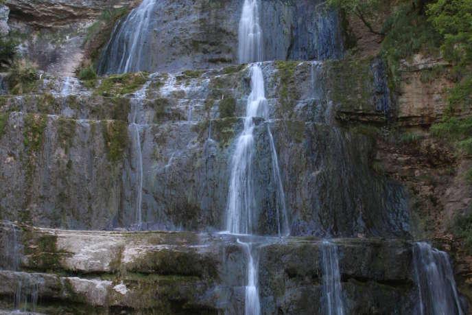 Une cascade dans le Jura.