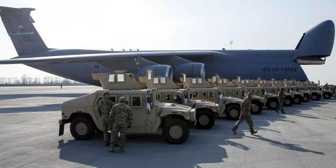 Livraison de matériel non létal par les Etats-Unis à l'Ukraine.