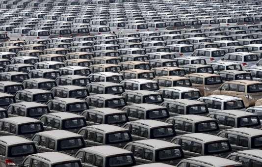 Des SUV neufs sortis d'usine,  en Chine. REUTERS/Stringer/Files