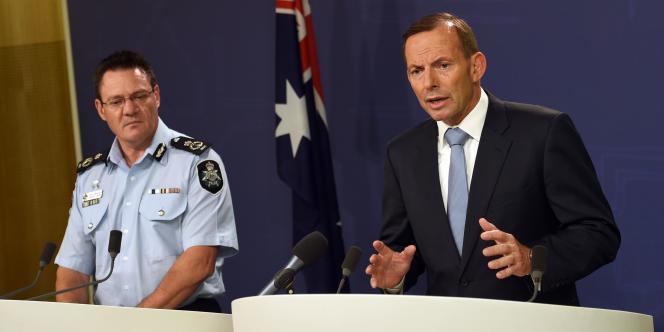 Le premier ministre australien, Tony Abbott, annonçant en avril une précédente arrestation de personnes soupçonnées de préparer un attentat.