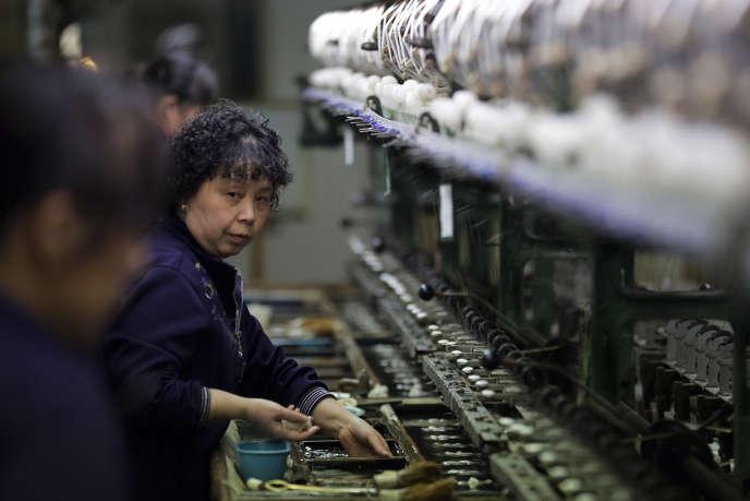 Au niveau mondial, les chances pour les femmes d'entrer sur le marché du travail sont inférieures de 27% à celle des hommes. Loin de se résorber, l'écart s'est même creusé en Asie du Sud et en Asie de l'Est.