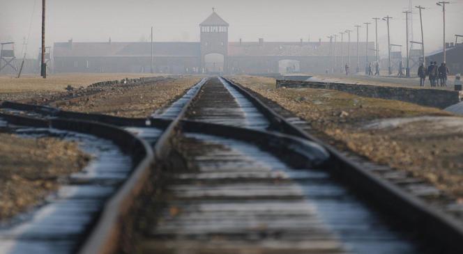 Dans le camp d'Auschwitz-Birkenau, en janvier 2005.