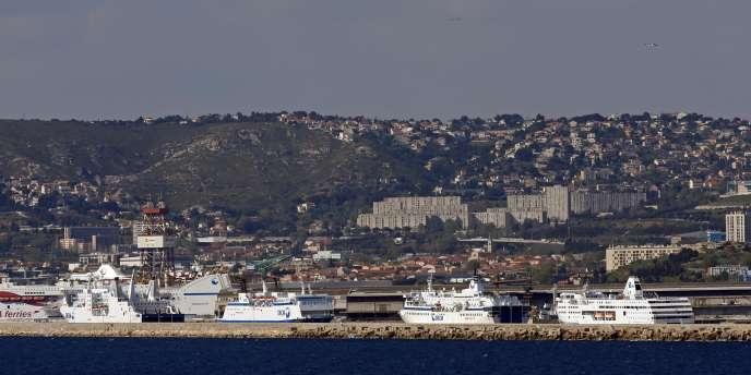 Des navires de la SNCM dans le port de Marseille, avril 2015.
