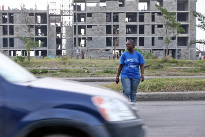 Bimbo Omowole Osobe a été expulsée du bidonville de Badia à Lagos en 2014. A l'emplacement de son quartier ont poussé de nouvelles constructions.