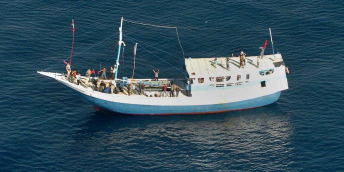 Un bateau transportant des demandeurs d'asiles sur la côte nord de l'Australie.