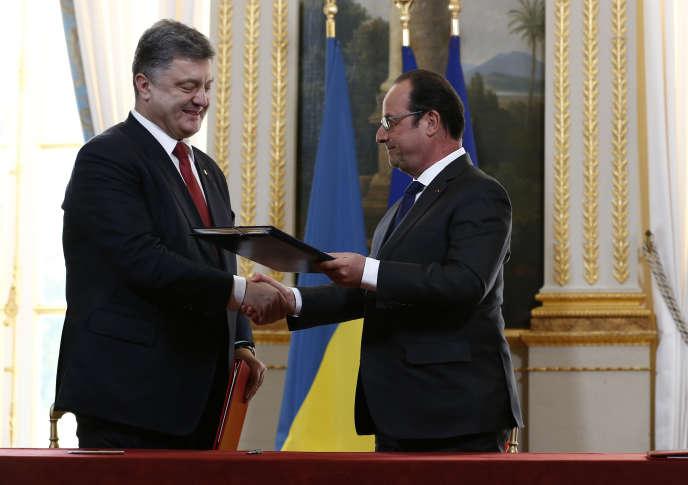 Petro Porochenko, reçu à l'Elysée par François Hollande, le 22avril2015.