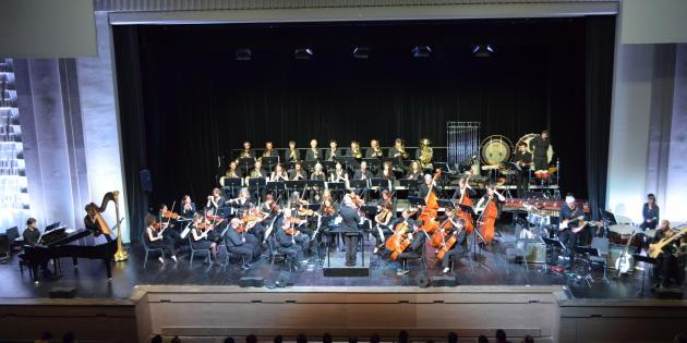 Une soixantaine de musiciens participaient au concert «Press Start».