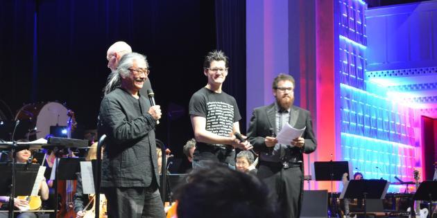 Nobuo Uematsu, le compositeur de «Final Fantasy», acclamé au concert «Press Start», le 11 avril 2015 à Paris.