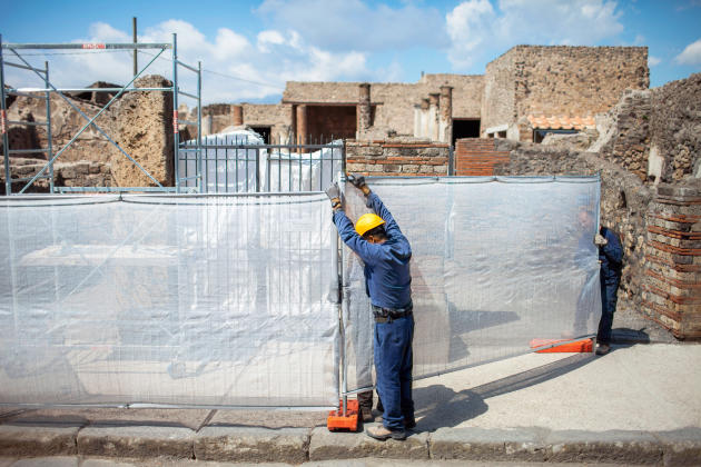 Bruxelles a lancé avec Rome le Grand Projet Pompéi : 105 millions d'euros, à dépenser avant 2016. Sur les 47 chantiers prévus, seuls trois sont terminés.