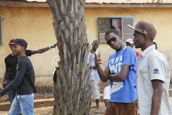 Dans la banlieue nord de Conakry, les jeunes remplissent les rangs de l'opposition pendant les manifestations