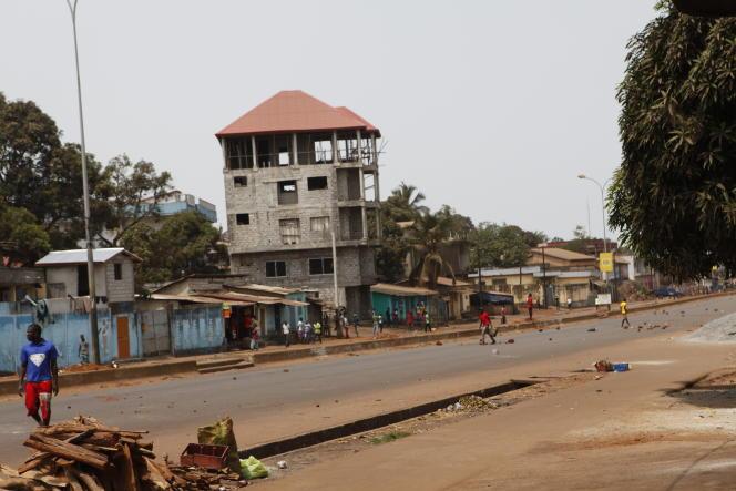 « L'Axe », du nom de cette zone déshéritée de la commune de Ratoma traversée par la route « Le Prince », concentre des quartiers peuls, contestataires de Conakry.