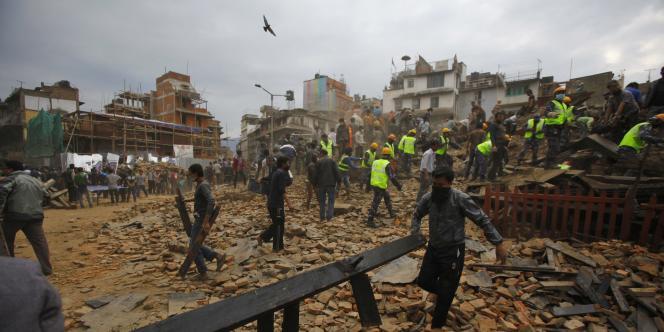 François Hollande a assuré que la France était prête à «répondre aux demandes de secours et d'assistance» que Katmandou pourrait lui adresser.