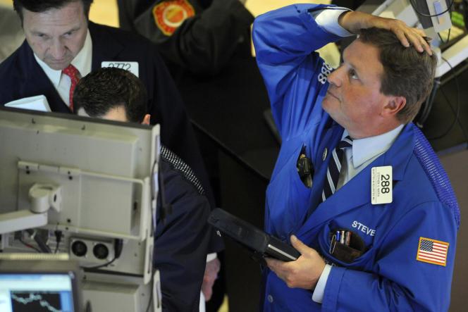 La place américaine a vécu, le 6 mai 2010, un moment de panique inconnu de mémoire de traders : le recul le plus spectaculaire et le plus soudain de toute l'histoire de l'indice Dow Jones, fondé en 1884.