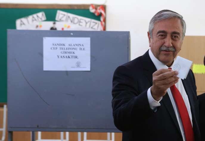 Mustafa Akinci, 67 ans, a été élu président de la partie turque de Chypre le 26 avril.