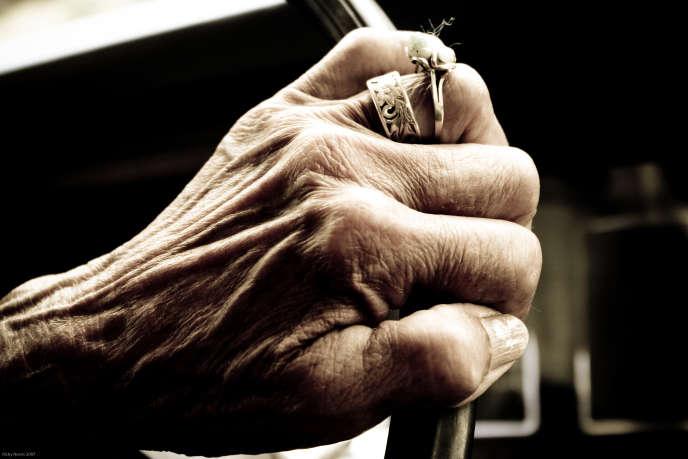 «25 % des 85 ans ou plus résident en maisons de retraite (rapport Drees 2015)»