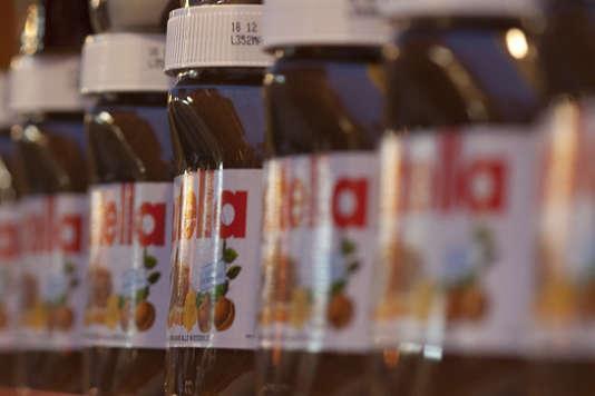 Les entreprises comme Ferrero, Danone ou encore Arnott's ont utilisé uniquement de l'huile de palme certifiée sur l'année 2015.