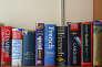 Des dictionnaires en plusieurs langues.