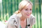 J. K. Rowling, l'autrice de « Harry Potter », signe « The Christmas Pig », à paraître le 12 octobre.