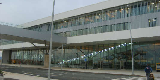 """L'aéroport """"international"""" de Ciudad Real : 450 millions d'euros d'investissement pour un flop, et une fermeture au bout de trois ans."""