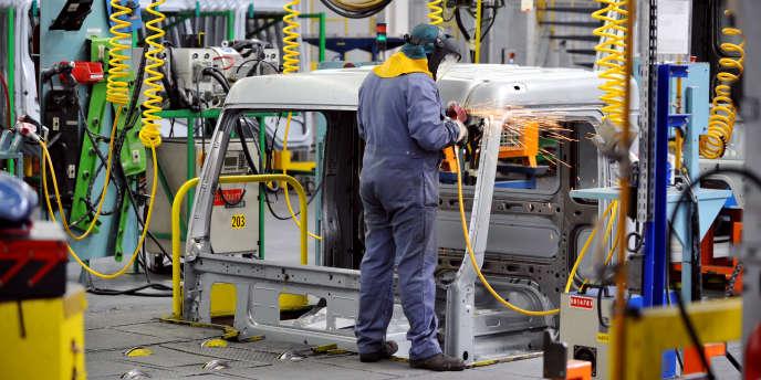Renault Trucks veut restructurer son organisation commerciale dans le but d'augmenter son efficacité et de réduire ses coûts.