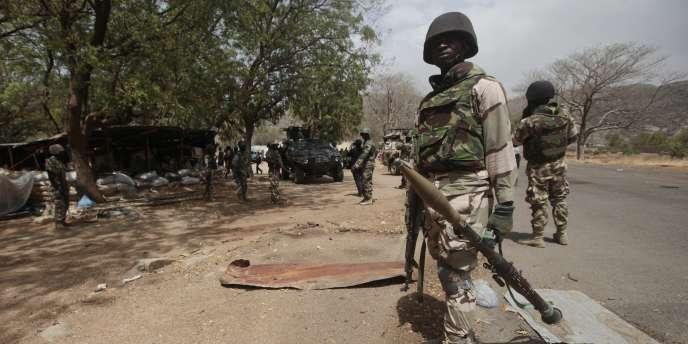 Lancée à l'attaque du principal repaire du groupe islamiste dans le nord-est du pays, l'armée nigériane affirme avoir libéré quelque 500 otages des mains de Boko Haram.