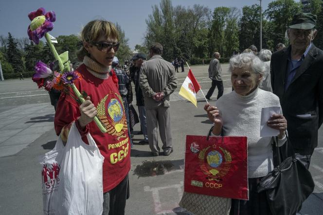 Des militants prorusses se sont réunis devant la Maison des syndicats, un an après le drame.