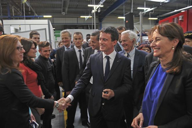 Manuel Valls à Châtellerault (Vienne), le 4 mai.