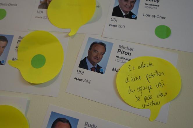Les mémos jaunes représentent les députés «qu'on a la possibilité de convaincre», selon Elliot Lepers, co-organisateur de l'action.