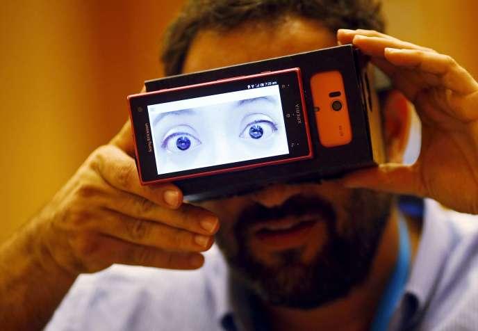 Un appareil photo portable produisant une image de l'émotion