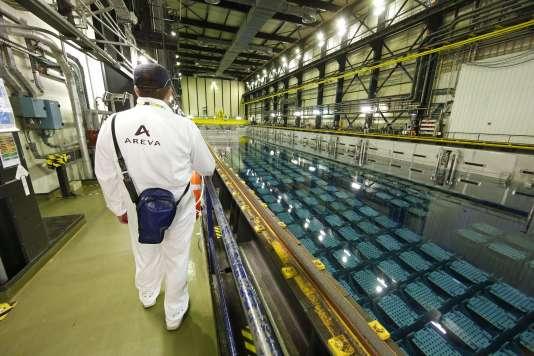 A l'intérieur de l'usine Areva de Beaumont-Hague, dans le département de la Manche, le 22 avril 2015.